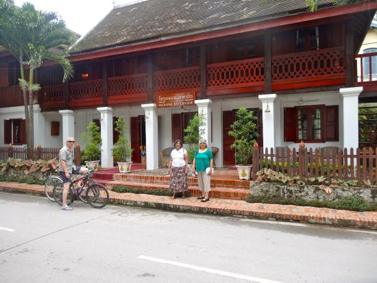 Mekong Riverview Hotel: Front of the Hotel