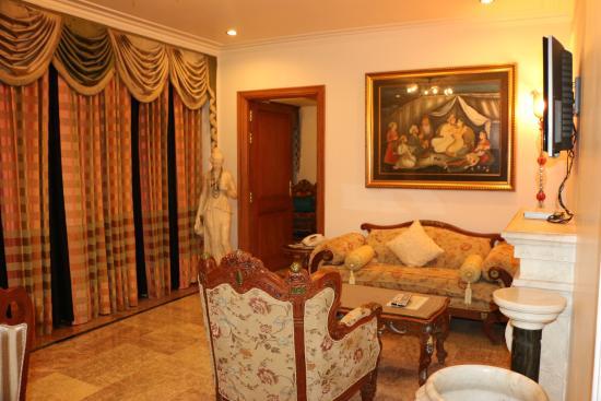 The Shiv Vilas : suite room