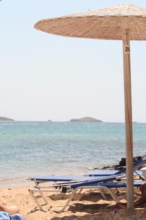 Hotel Perrakis : Het strand bij het hotel