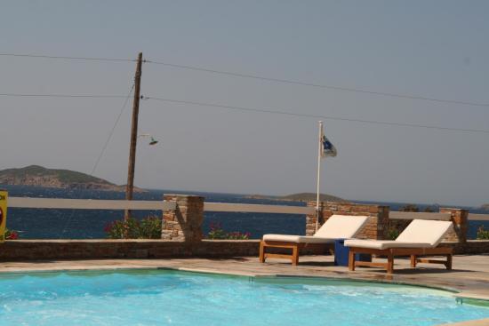 Hotel Perrakis: Het zwembad