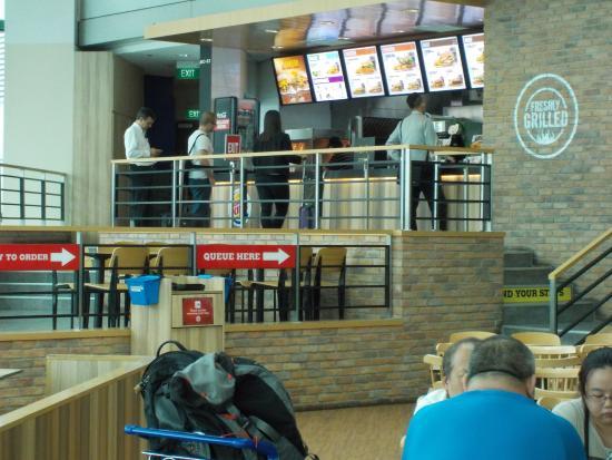 Burger King: Restaurant Area