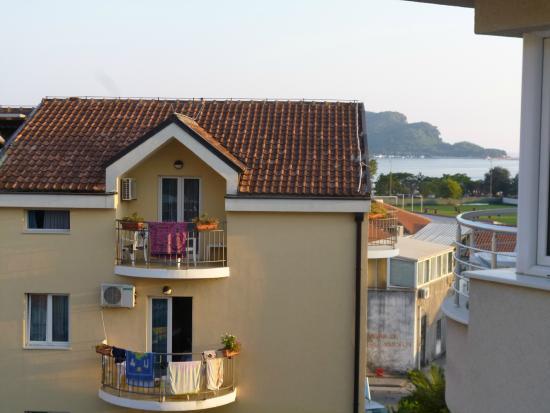 Hotel Aquamarin : Боковой вид на море с балкона соседнего отеля