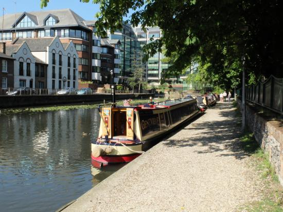 Kennet & Avon Canal: Mooring behind the prison