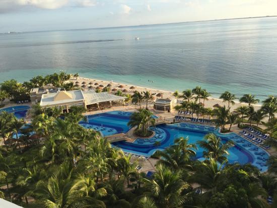 drinks picture of hotel riu caribe cancun tripadvisor. Black Bedroom Furniture Sets. Home Design Ideas