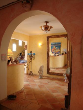 Hotel Villa Provencale: Hallway