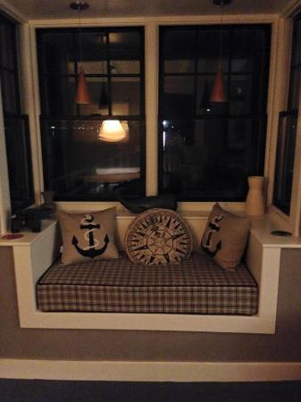Bayshore/Chandler House: Window Seat - Reading Nook