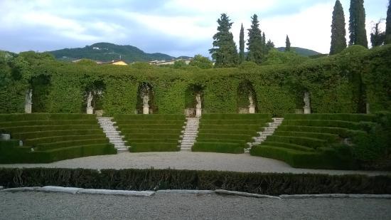 Negrar, Italia: Il teatro