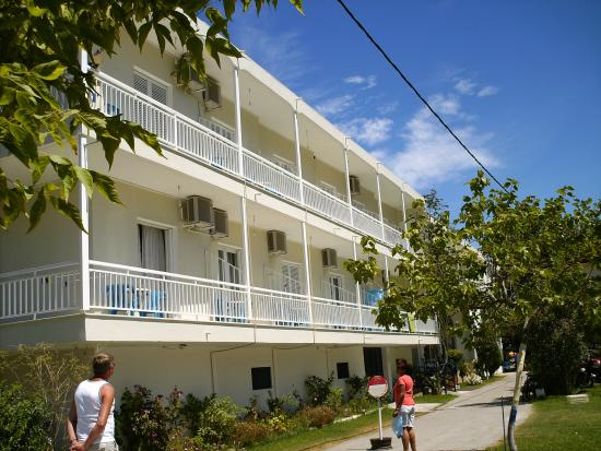Avra Beach Hotel: Hotellet.