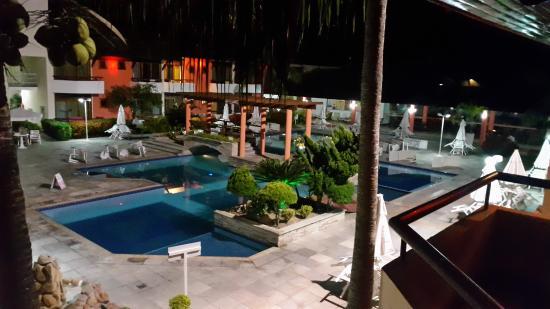 Porto Das Naus Praia Hotel: vista do quarto, piscina interna do Hotel