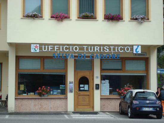 Pro Loco Val Fiorentina: L'Ufficio Turistico in Piazza S. Lorenzo