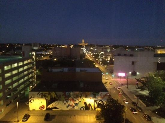 Renaissance Des Moines Savery Hotel Beautiful Night Time View Of Downtown From