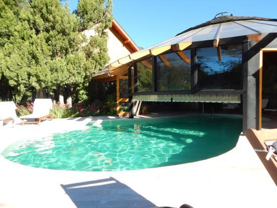 أنتوكيلين: piscina del hotel