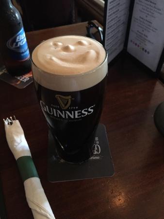 Slainte Irish Pub & Grill