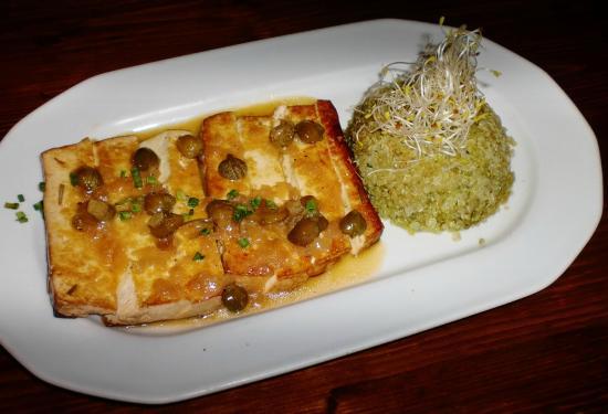 Restaurant Vegetalia: Tofu a la meniere con quinoa