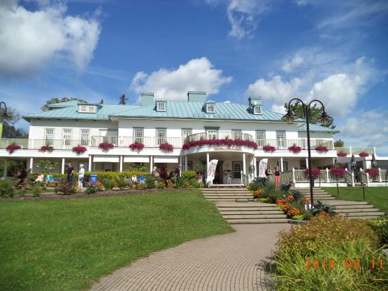 The manoir picture of le manoir montmorency quebec city for Restaurant le jardin montmorency