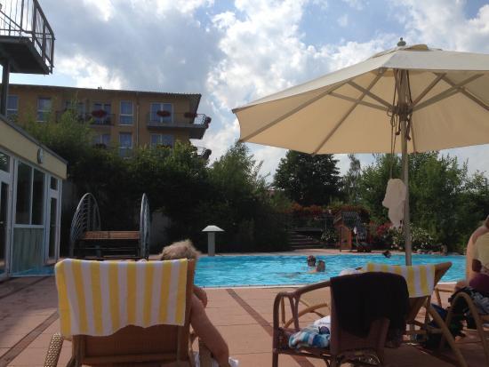 BEST WESTERN PREMIER Castanea Resort Hotel : Aussenpool
