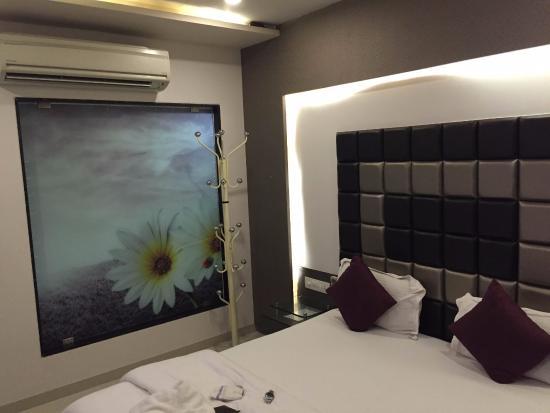 OYO 9239 Hotel Flair Inn : Room with Daikin Split A/C,