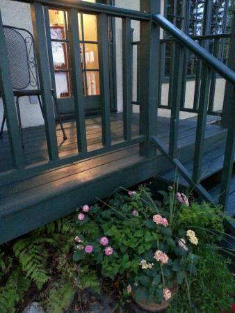 Grand Rapids, MN : Loon Room deck and flowers
