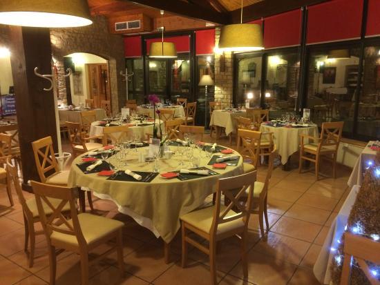 Saint-Jean-le-Centenier, France : salle à manger