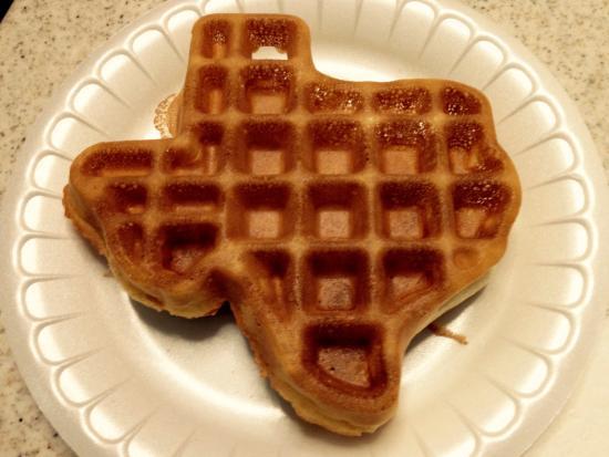 La Quinta Inn & Suites Big Spring : Texas - shaped waffle