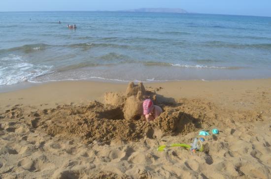 Cosman Aparthotel: Пляж