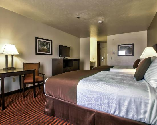 BEST WESTERN PLUS Salinas Valley Inn & Suites: Queen Queen beds