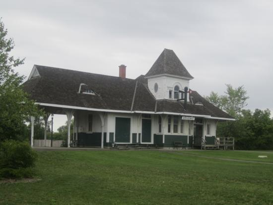 Fort Erie Railway Museum: Former Station - moved from Ridgeway ON