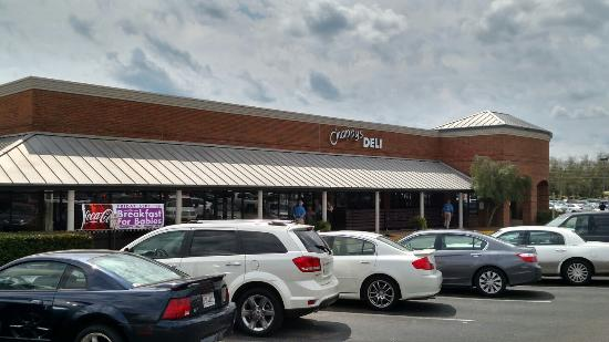 Chappy's Deli - Perry Hill: Large parking lot