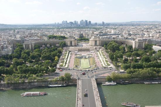 Paris jardins du trocad ro palais chaillot la d fense for Aquarium de paris jardin du trocadero
