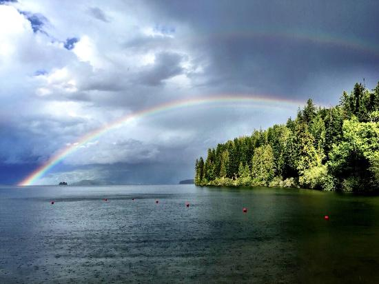 ‪‪Priest Lake‬, ‪Idaho‬: View from the beach just after a rain shower‬