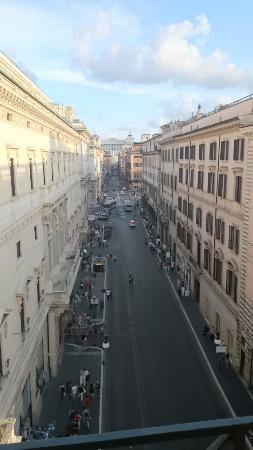 Residenza Montecitorio: vista dalla camera