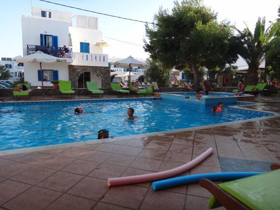 Ioanna Studios and Apartments: Vista da piscina.