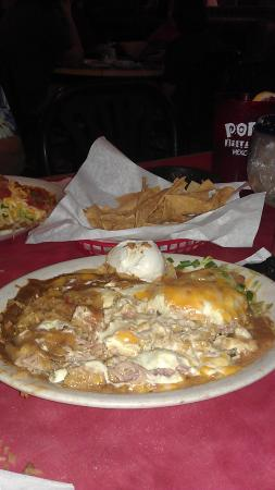 Popo's Mexican Restaurant i: Large Portions