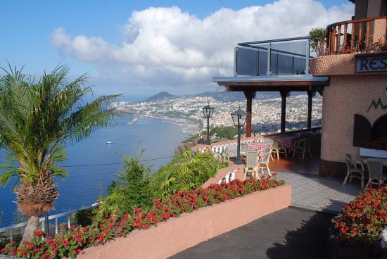 uitzicht vanaf hotel ocean gardens - Ocean Garden