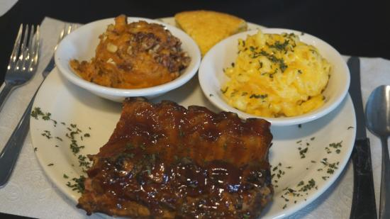 Memphis, IN: Smoked BBQ Ribs