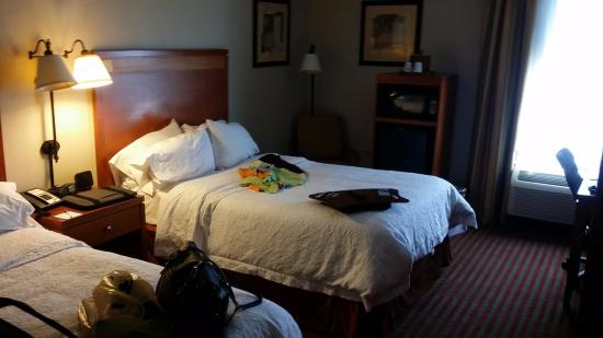Hampton Inn Martinsburg: Bed1