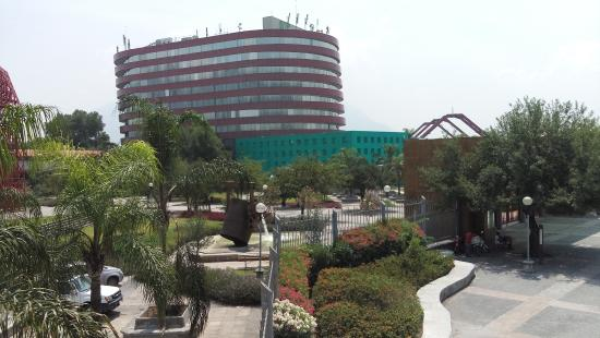 Hotel Antarisuite Cintermex : Vista desde la Ciudad