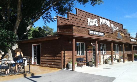 Bryce Pioneer Village Motel