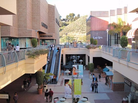 Welcome To Fashion Valley - A Shopping Center In San Diego 30