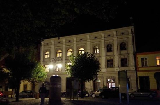 Byczyna, Polônia: Adler Hotel by night