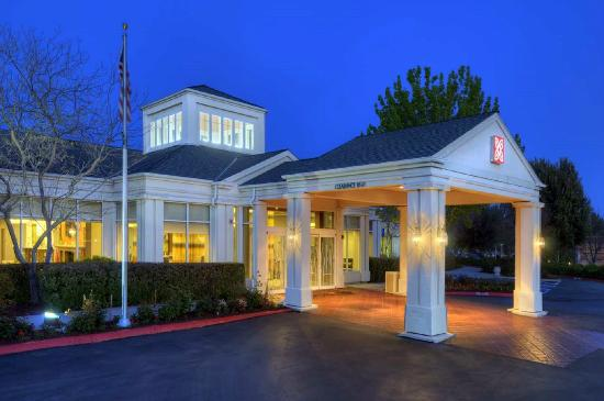 Hilton Garden Inn Livermore Hotel Entrance