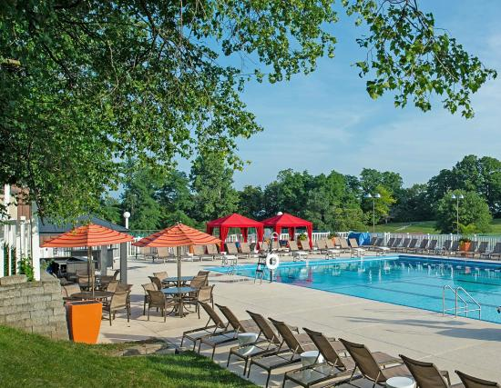 Doubletree by Hilton Hotel St Louis - Chesterfield: Outdoor Pool