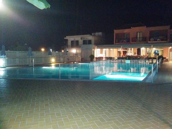 Athos Hotel: La piscina dell'hotel