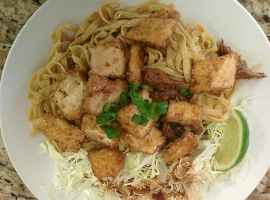 La Puente, Californië: Braised tofu garlic noodle