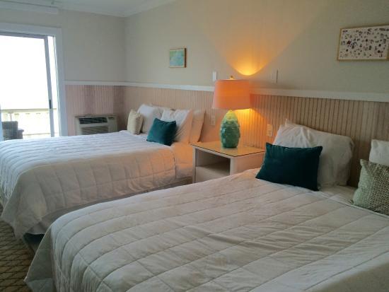 Atlantic Terrace Motel: Ocean-front room