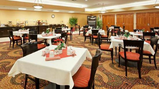 DoubleTree by Hilton Hotel Livermore: The Grille Cafe Restaurant On-Site