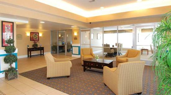 DoubleTree by Hilton Hotel Livermore: Main Lobby