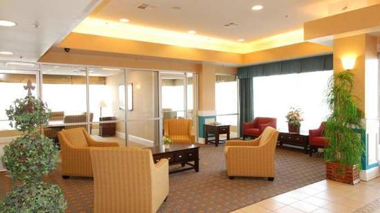 DoubleTree by Hilton Hotel Livermore: Main Lobby Area