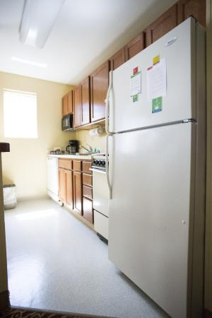 TownePlace Suites Cleveland Streetsboro: Two Bedroom Kitchen