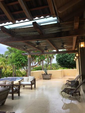 The St. Regis Punta Mita Resort: relaxing lounge area by the lobby
